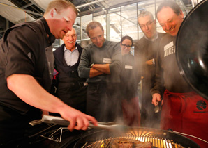 Gourmet grill workshop above the roofs of Bern
