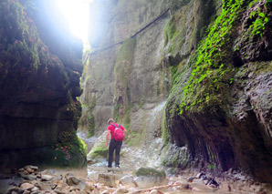 Expedition through a gorge