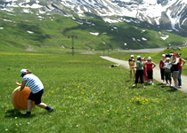 Alpine team games in the Berner Oberland
