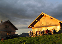 Spend the night in a cabin in Toggenburg